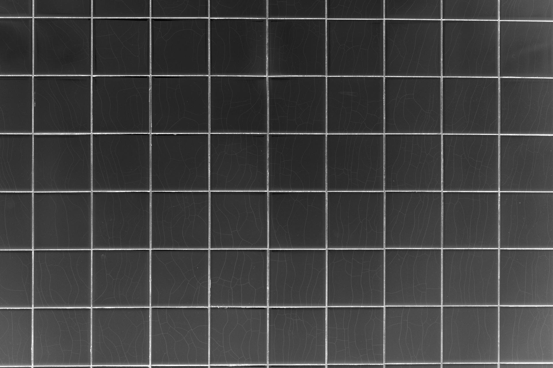 Using Black Square Tiles Tiles 2 Go Ltd